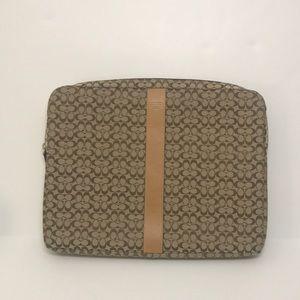 Coach NEW padded laptop case signature print